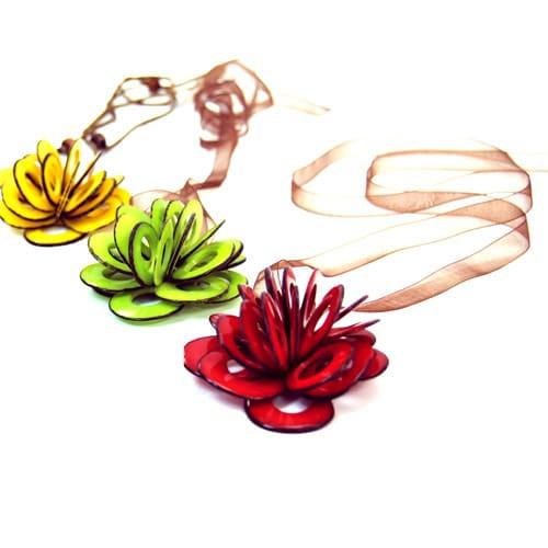 Pop Up Flower Necklace (5 Necklaces)